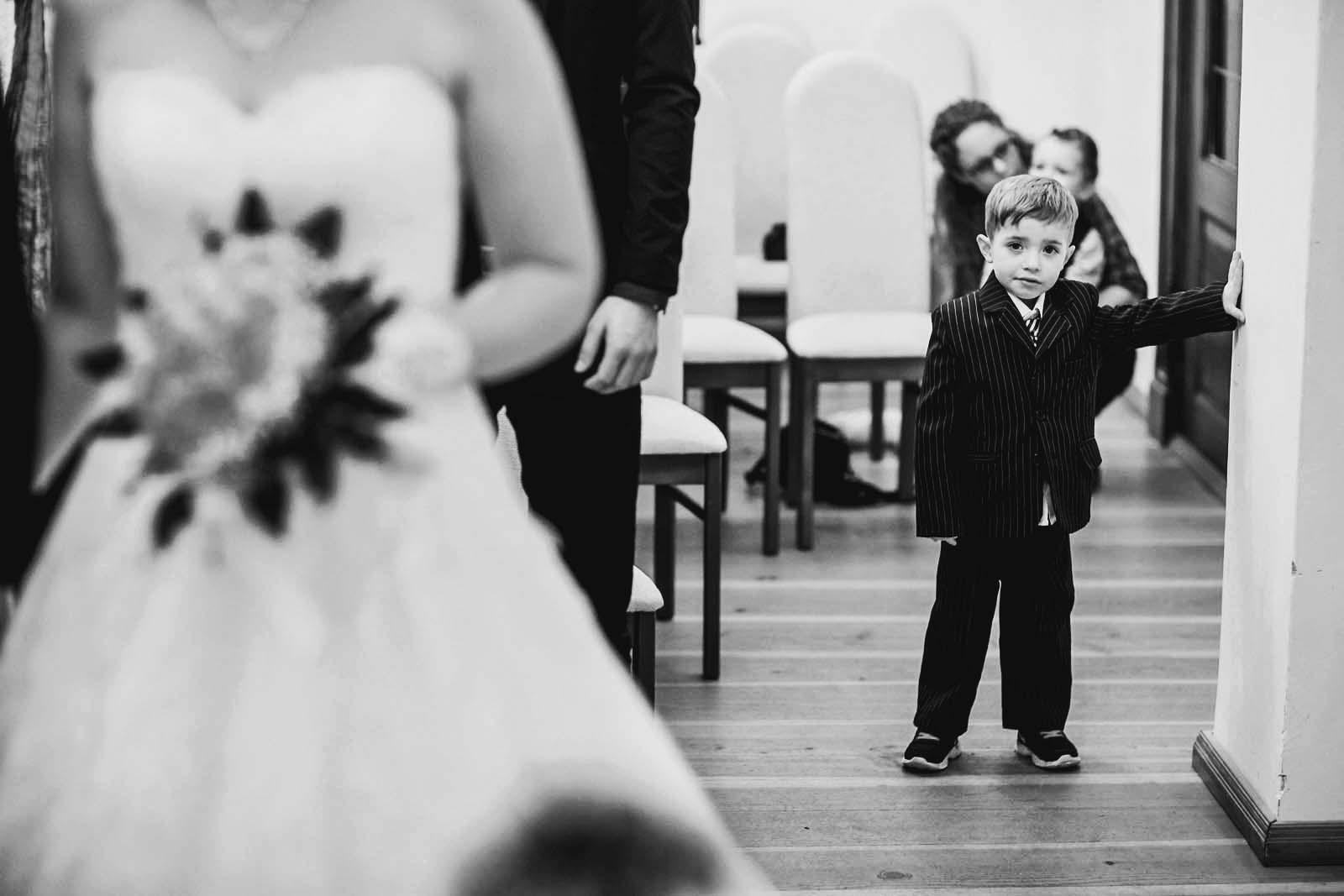 Kinder bei Trauung Copyright by Hochzeitsfotograf www.berliner-hochzeitsfotografie.de