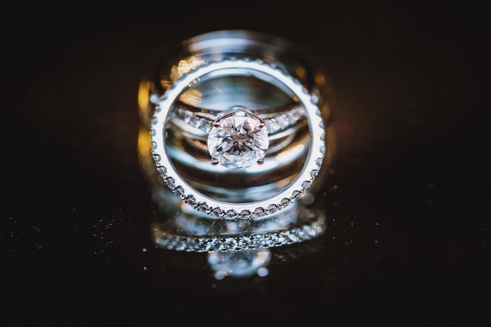 Detailfoto der Ringe vom professionellem Hochzeitsfotograf Copyright by Hochzeitsfotograf www.berliner-hochzeitsfotografie.de